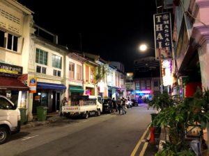 深夜のシンガポール