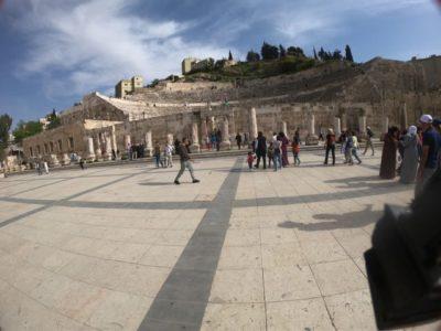 ローマ劇場広場